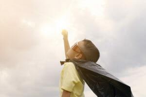 Kind speelt voor superheld